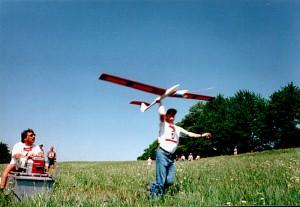 2000 - Windenfahrer Herr R. Piss - Starter Herr W. Michl. (Zeitfliegen des MFK-Breitenfurt am 7.5.2000).