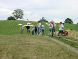 """2001 - MFK-Klubbewerb F3F-Hangfliegen am 8.7.2001. Startplatz am """"Westhang"""""""