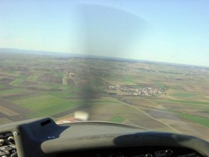 2002 - 1.Virtueller F3F-Wettbewerb > Blick aus dem Cockpit der Cessna 172 !