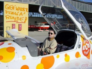 2002 - 1.Virtueller F3F-Wettbewerb > Walter beim Testen ?
