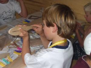 2004 - Basteln mit den Schülern > Es darf gewerkt werden