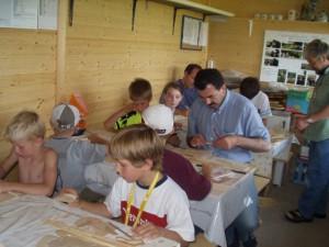 2004 - Basteln mit den Schülern > Die Gruppe am ersten Tag