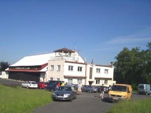 2005 - F3F in Rana > Flughafengebäude in Rana