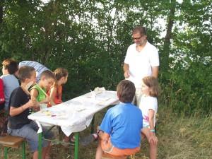 2007.07.18 - 2. Tag beim Basteln mit den Schülern.