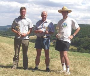 2007.07.08 - 2. Klubcup > Ziellanden Die Sieger: Martin Ziegler (3.), Robert Dürrmoser (1.), Harald Michl (2.) v.l.n.r.