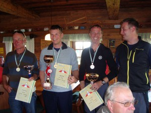 29.8.2010 F3F Staatsmeisterschaft auf der Sommeralm - Die Sieger v.l.n.r. Franz P., Stefan H., Kurt P. + Organ. Leiter Thomas R.