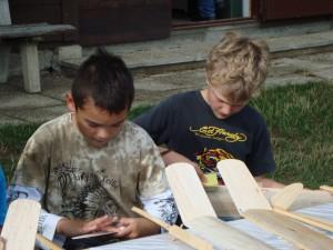 Dritter Basteltag mit den Schülern - Feinschleifen