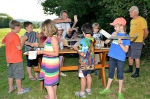 2. MFK-Basteln mit den Schülern - Streichen macht Spaß