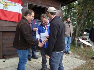 10.10.2015 - 3. Klubcup - Zeitfliegen - Gratulation zum ersten Platz